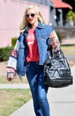 GWEN STEFANI Heading to a Dance Studio in West Hollywood 11/08/2017