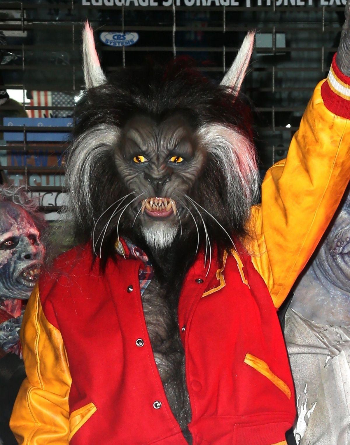 HEIDI KLUM as Nerd Scott Howard from Teen Wolf at Her Annual ...