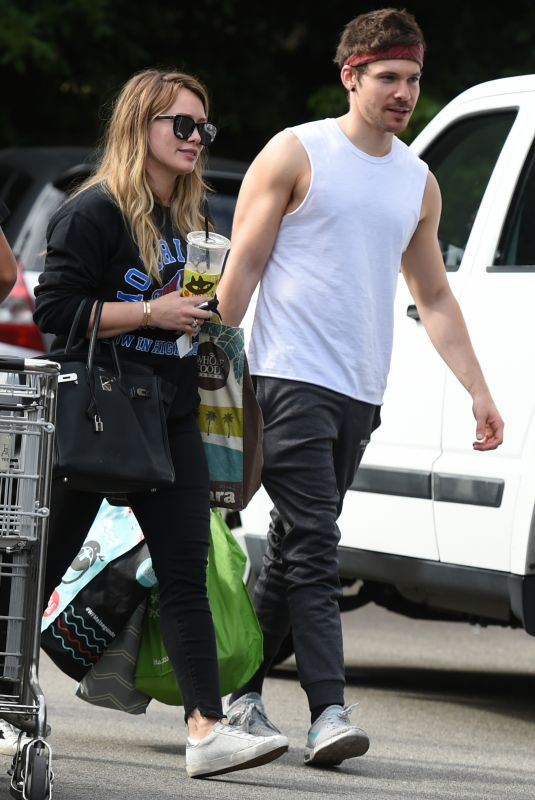 HILARY DUFF and Matthew Koma Out Shopping in Los Angeles 11/11/2017