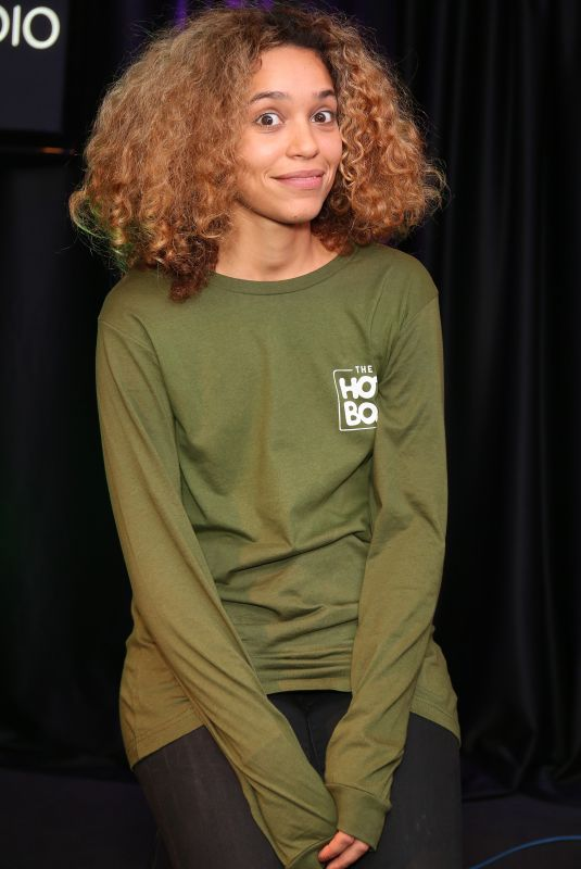 IZZY BIZU at Wdas-FM Radio in Bala Cynwyd 11/07/2017