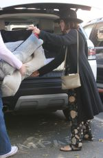 JENNA DEWAN Buys a Bed for Her Dog in Los Angeles 11/21/2017