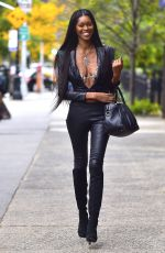 JESSICA WHITE Out and About in New York 11/08/2017