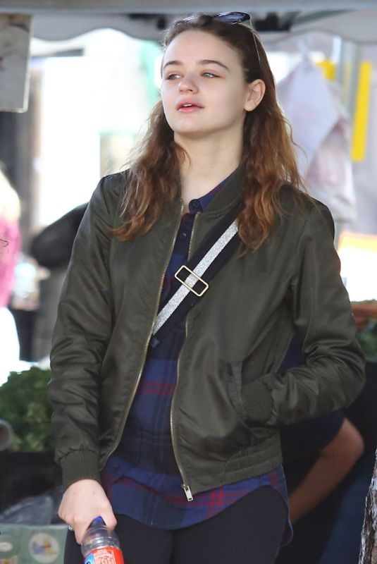 JOEY KING Shopping at Farmer