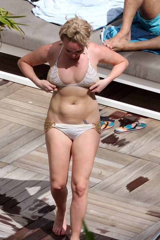 JORGIE PORTER in Bikini on Vacation in Hawaii 11/07/2017