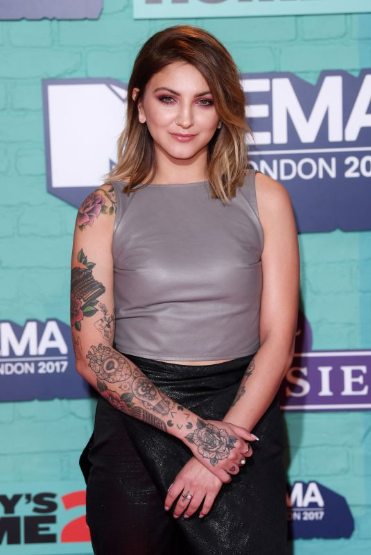 JULIA MICHAELS at 2017 MTV Europe Music Awards in London 11/12/2017
