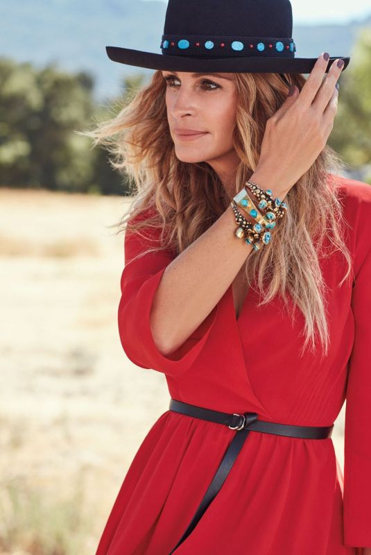 JULIA ROBERTS in Instyle Magazine, December 2017