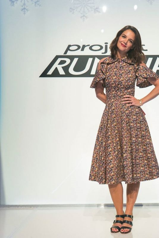 KATIE HOLMES for Project Runway, 11/02/2017