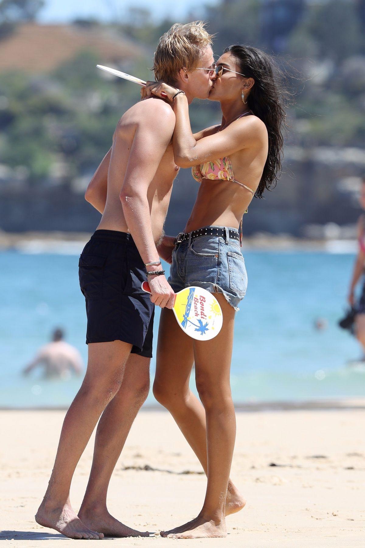 Kelly Gale in Bikini on Bondi Beach in Sydney Pic 27 of 35
