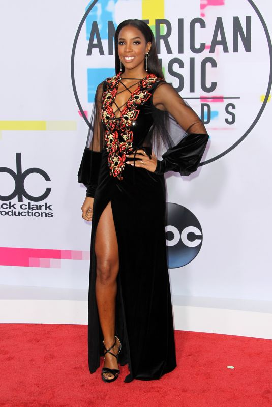 KELLY ROWLAND at American Music Awards 2017 at Microsoft Theater in Los Angeles 11/19/2017