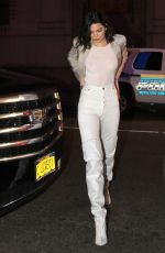 KENDALL JENNER at New York Knicks vs LA Clippers Game in New York 11/20/2017