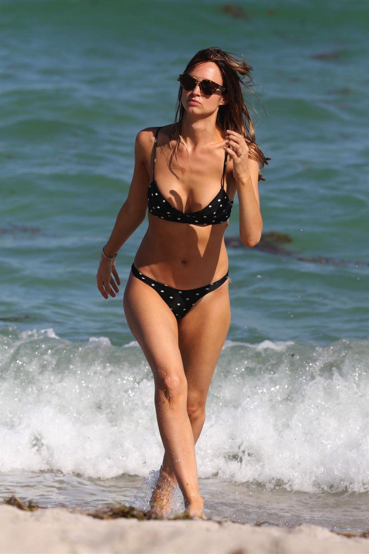 Kimberley Garner in Yellow Bikini on the beach in Miami Pic 5 of 35