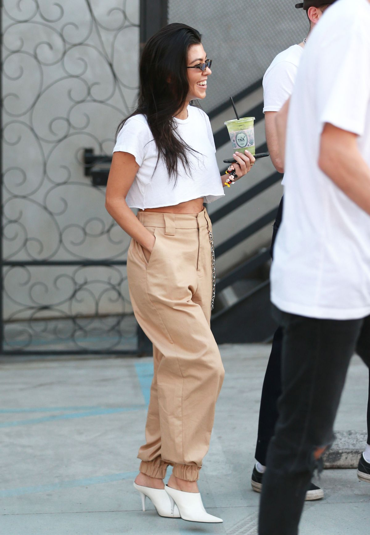 Kourtney Kardashian Leaves Alfred Tea Room In West