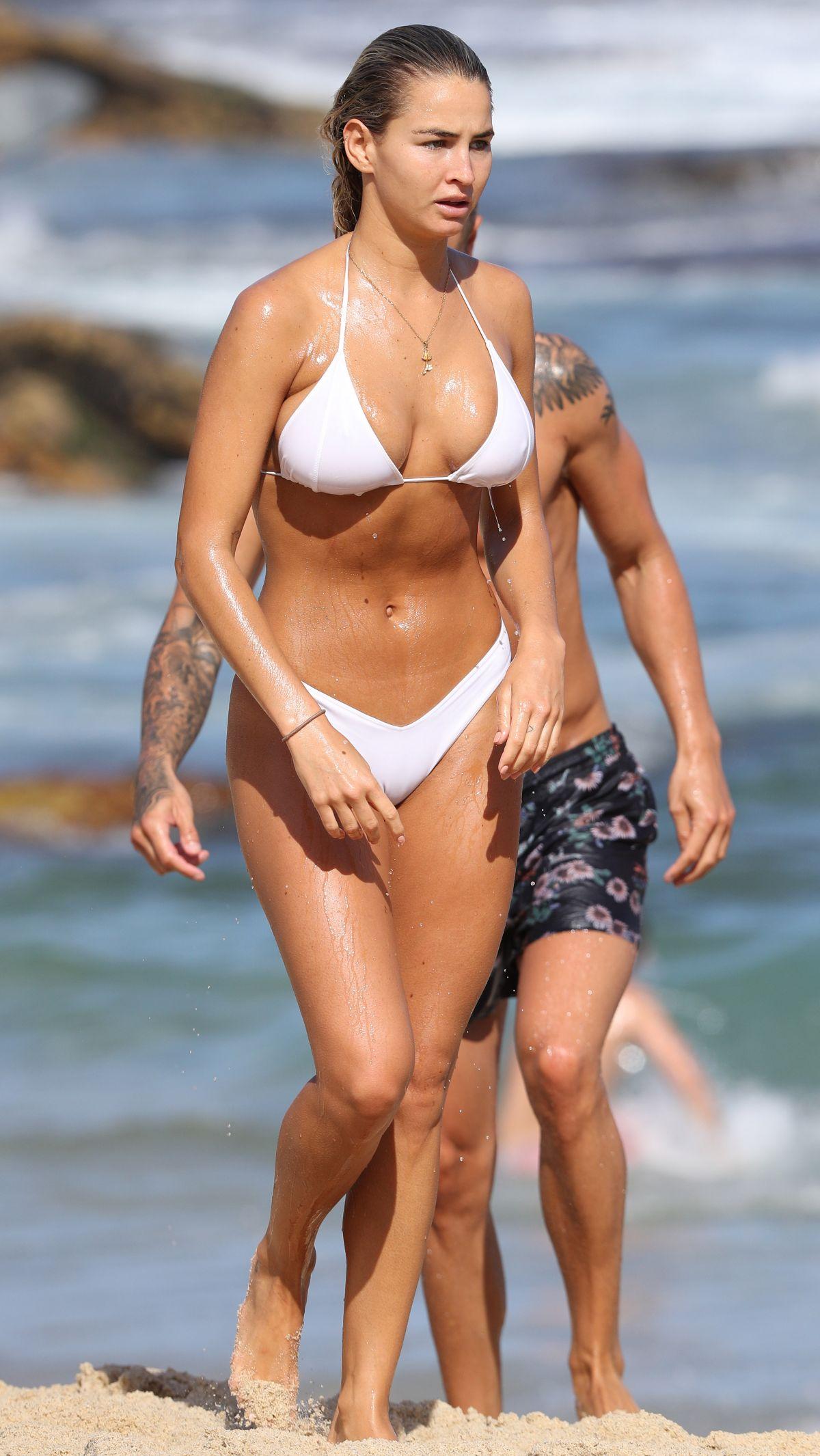Bikini Amelia Jane nudes (11 photos), Topless, Leaked, Selfie, see through 2015