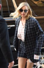 MARGOT ROBBIE Arrives at Her Hotel in New York 11/28/2017