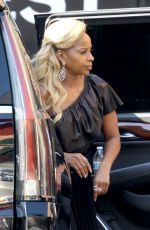 MARY J. BLIGE Arrives at a Studio in Santa Monica 11/11/2017
