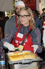 MAUREEN MCCORMICK at Los Angeles Mission Thanksgiving Meal for the Homeless in Los Angeles 11/22/2017