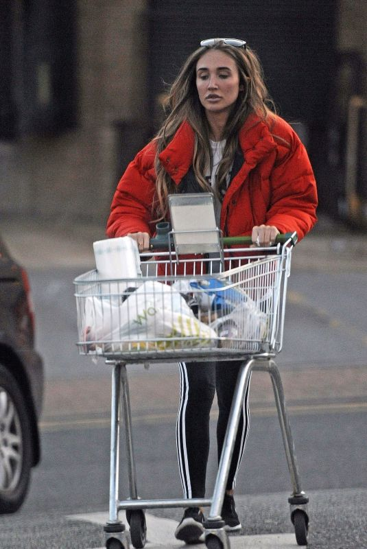 MEGAN MCKENNA Shopping at Supermarket in Essex 11/10/2017