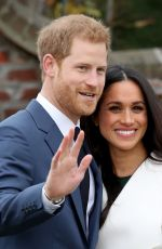 MEGHAN MARKLE and Prince Harry Announce Their Engagement at Kensington Palace 11/27/2017