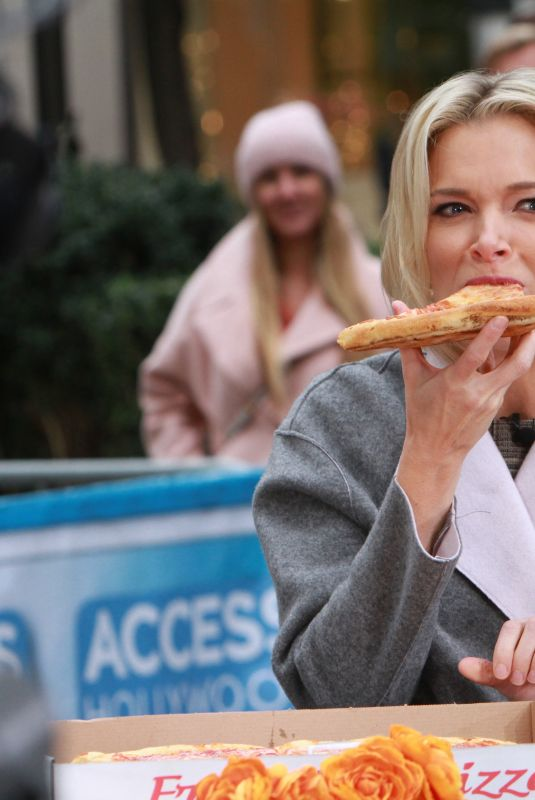 MEGYN KELLY Eats Pizza at Access Hollywood in New York 11/14/2017
