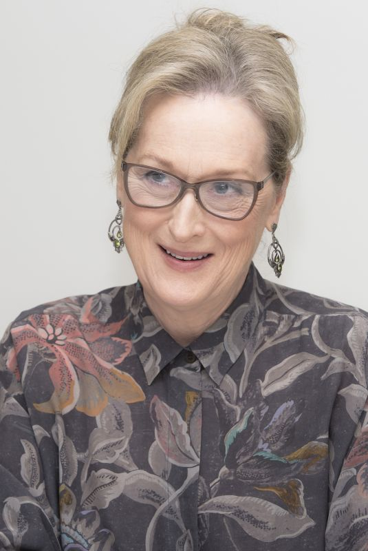 MERYL STREEP at The Post Press Conference in Beverly Hills 11/29/2017