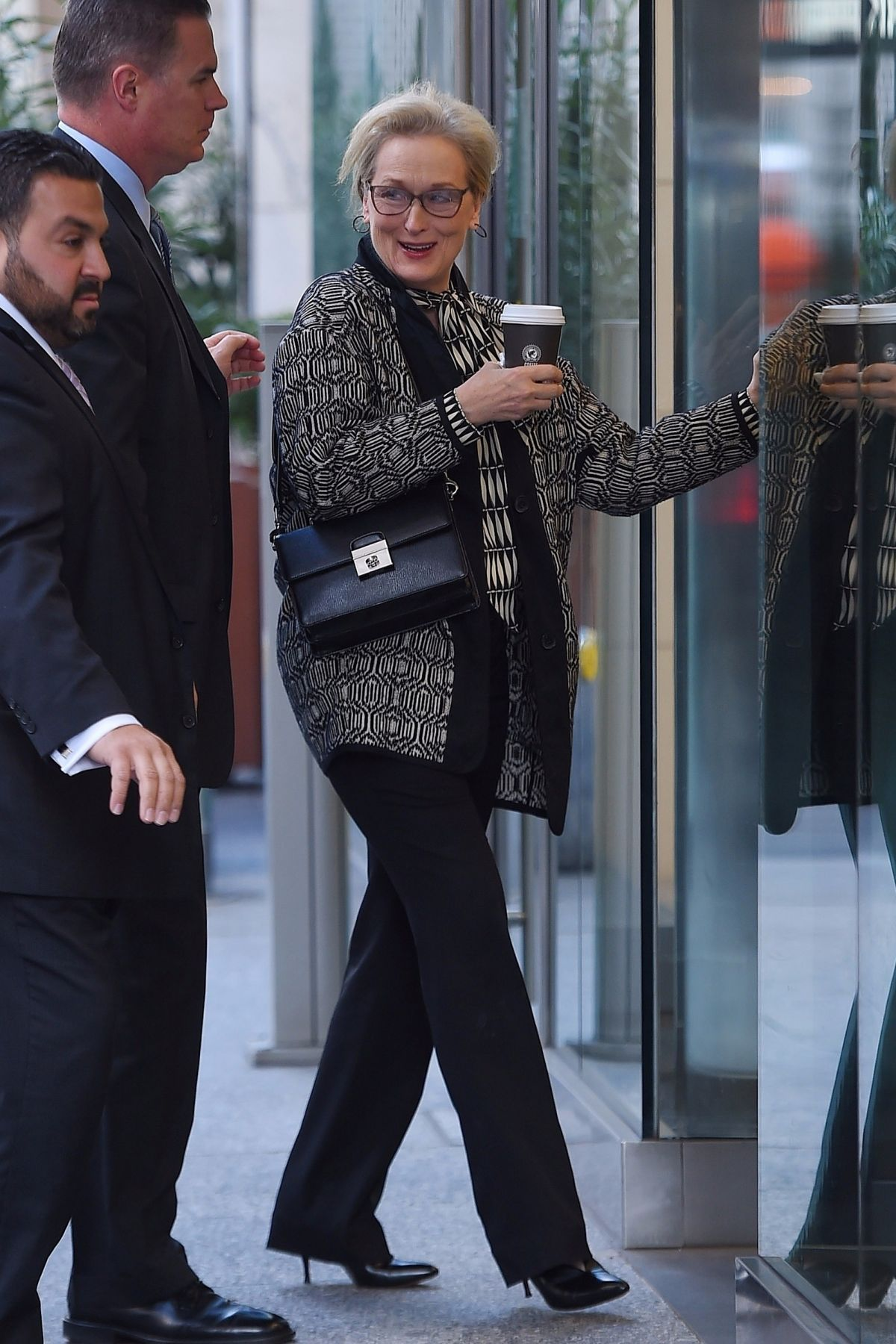 http://www.hawtcelebs.com/wp-content/uploads/2017/11/meryl-streep-out-for-coffe-in-new-york-11-20-2017-0.jpg