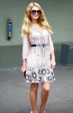 PARIS HILTON Out and About in Sydney 11/29/2017