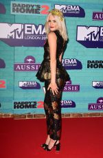 PIXIE LOTT at 2017 MTV Europe Music Awards in London 11/12/2017