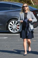REESE WITHERSPOON Out and About in Los Angeles 11/14/2017