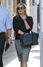 REESE WITHERSPOON Out for Breakfast in Brentwood 11/06/2017