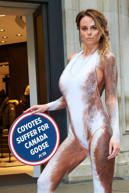 RHIAN SUDGEN Body Painted as Coyote Protests Outside Canada Goose in London 11/29/2017