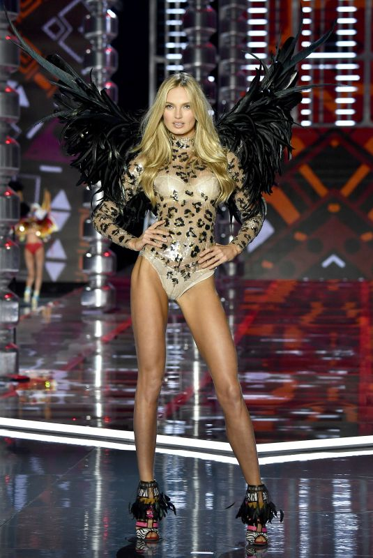 ROMEE STRIJD at 2017 Victoria's Secret Fashion Show in Shanghai 11/20/2017