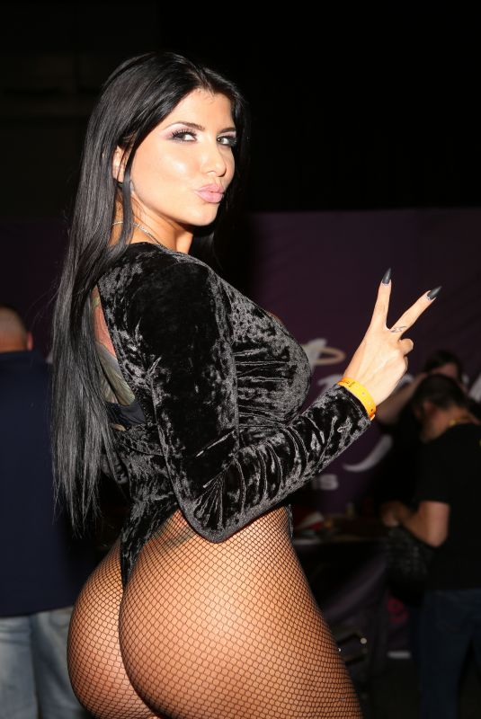 ROMI RAIN at Exxxotica Expo 2017 in New Jersey 11/03/2017