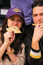 SARAH HYLAND and Wells Adams at Lakers vs Bulls Game at Staples Center in Los Angeles 11/21/2017