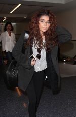 SARAH HYLAND at LAX Airport in Los Angeles 11/09/2017