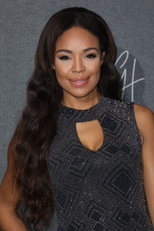 SARAH-JANE CRAWFORD at Gigi Hadid x Maybelline Party in London 11/07/2017