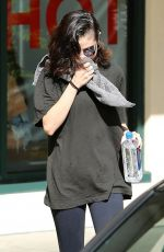 SELENA GOMEZ Leaves Pilates Class in Los Angeles 11/07/2017