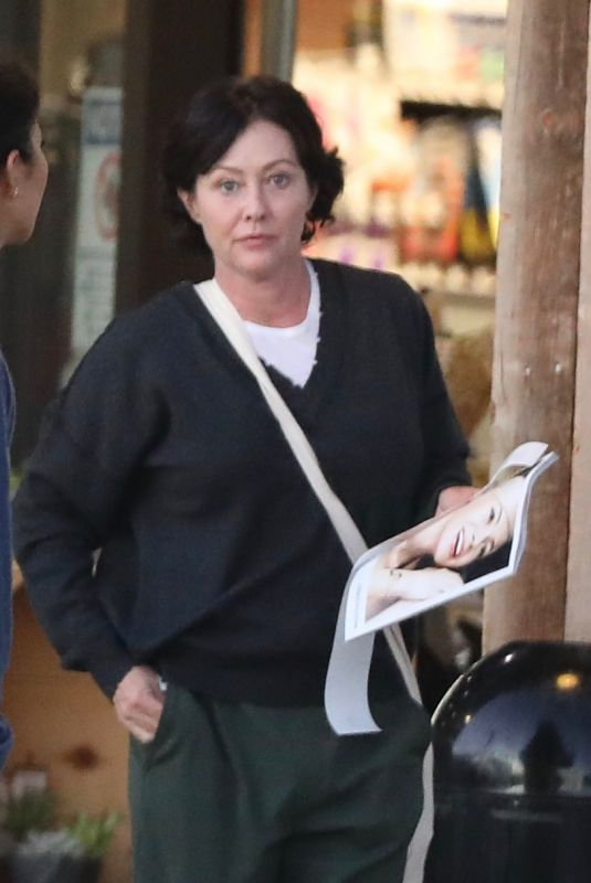 SHANNEN DOHERTY Out Shopping in Malibu 11/09/2017