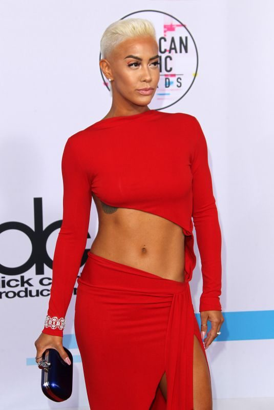 SIBLEY SCOLES at American Music Awards 2017 at Microsoft Theater in Los Angeles 11/19/2017