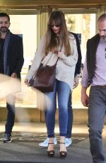 SOFIA VERGARA Shopping at Saks Fifth Avenue in Beverly Hills 11/28/2017