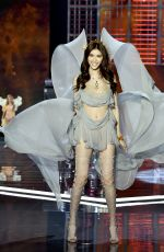 SUI HE at 2017 Victoria's Secret Fashion Show in Shanghai 11/20/2017