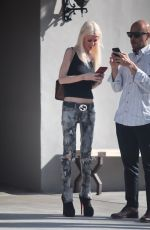 TARA REID Out for Lunch in West Hollywood 11/17/2017