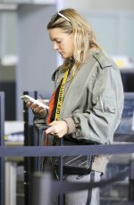 TOVE LO at LAX Airport in Los Angeles 111/11/2017
