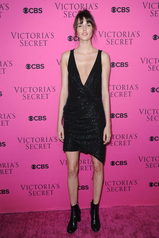 VANESSA MOODY at 2017 Victoria's Secret Fashion Show Viewing Party in New York 11/28/2017