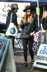 WHITNEY HARTLEY WAGNER Shopping at Farmers Market in Los Angeles 11/26/2017