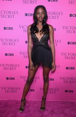 ZURI TIBBY at 2017 Victoria's Secret Fashion Show Viewing Party in New York 11/28/2017