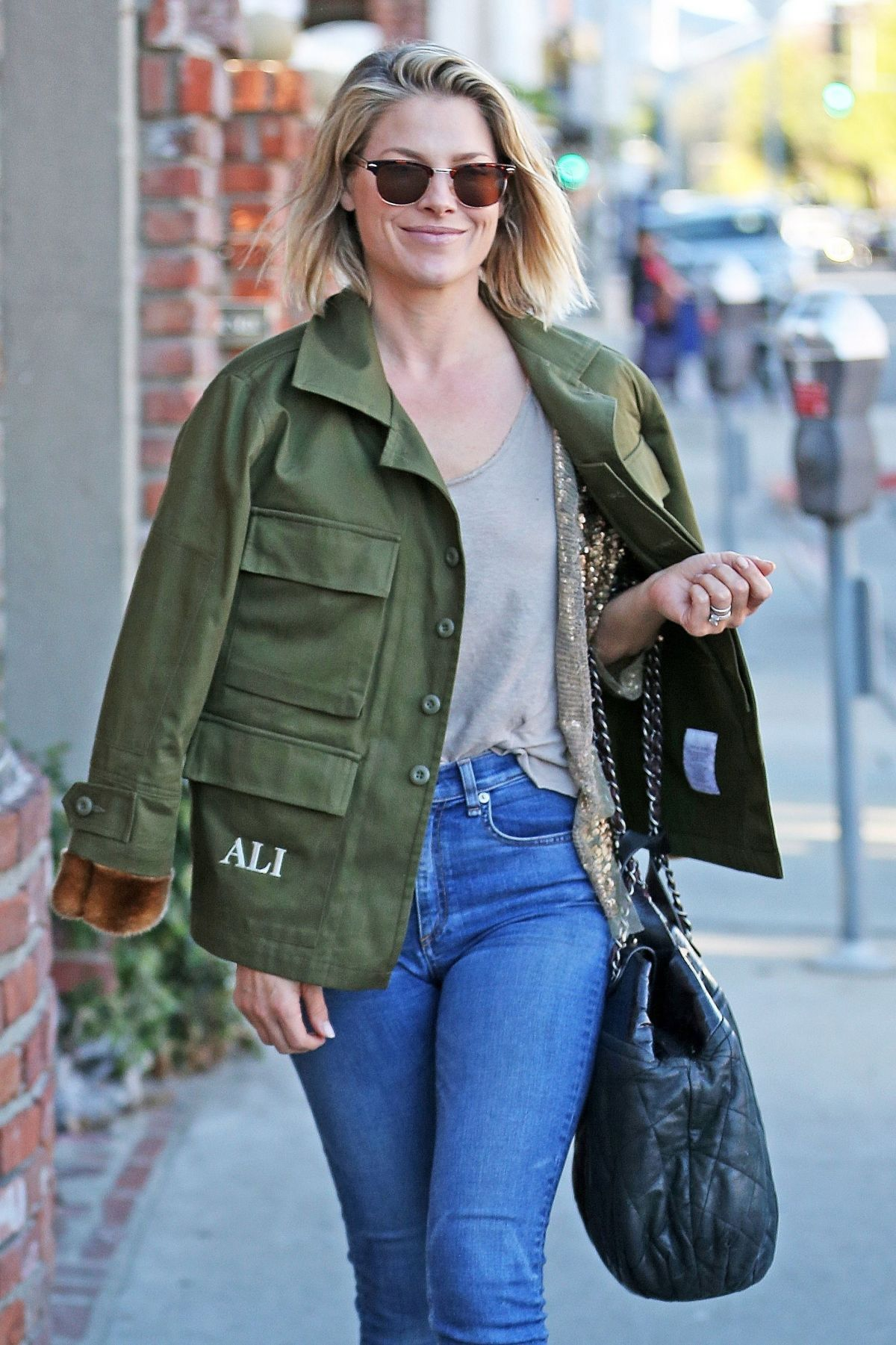 ALI LARTER Out Shopping in Brentwood 12/12/2017 – HawtCelebs