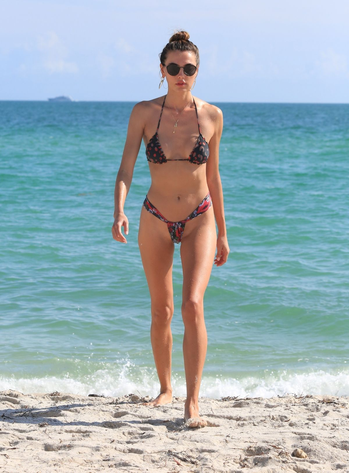 Alina Baikova in Bikini on the beach in Miami Pic 9 of 35