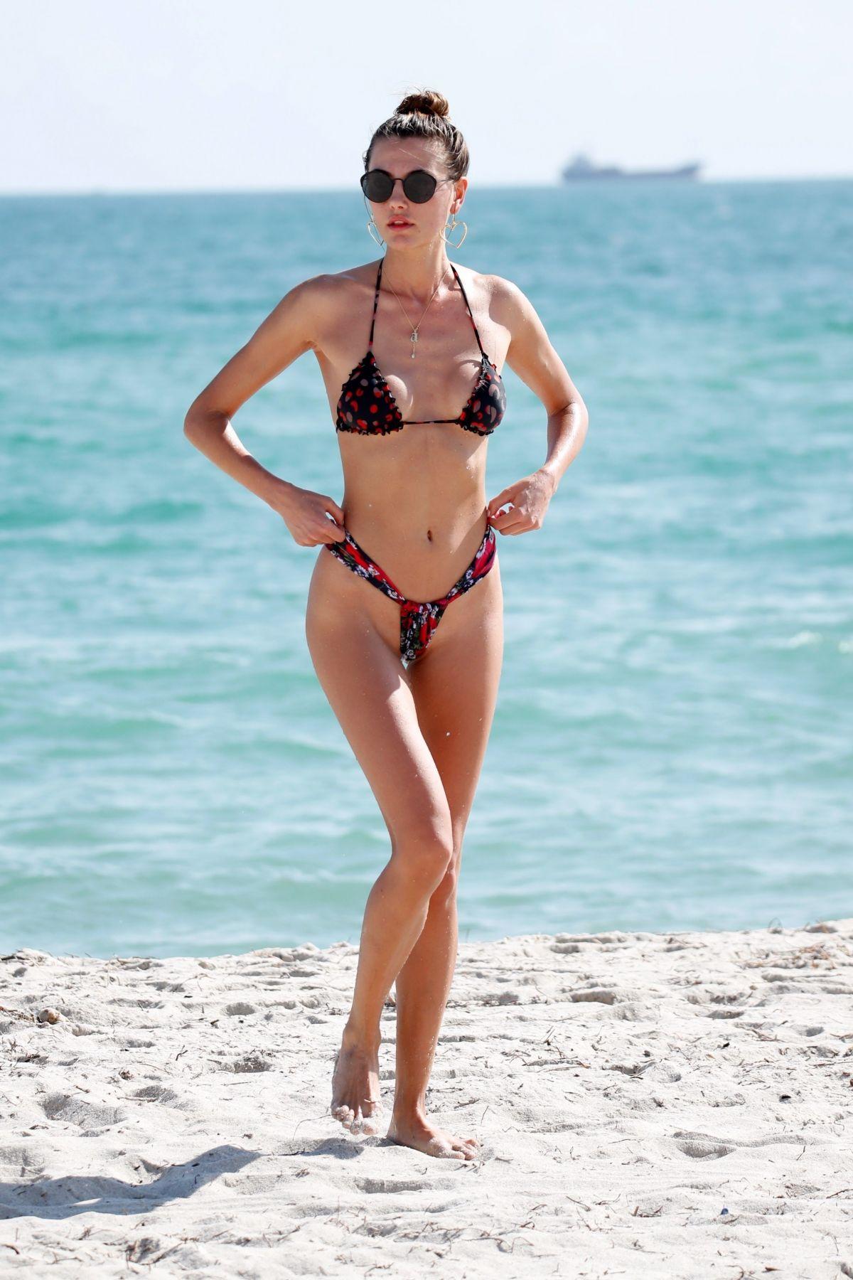 Bikini Alina nude (41 photo), Ass, Bikini, Feet, swimsuit 2020