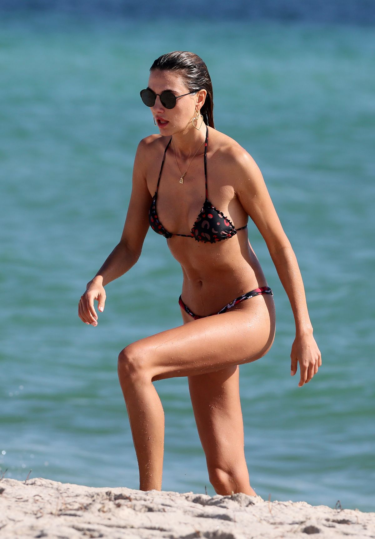 Alina Baikova in Bikini on the beach in Miami Pic 5 of 35