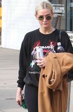 ASHLEE SIMPSON Out in Los Angeles 12/20/2017